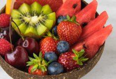 czy owoce można jeść ze skórą