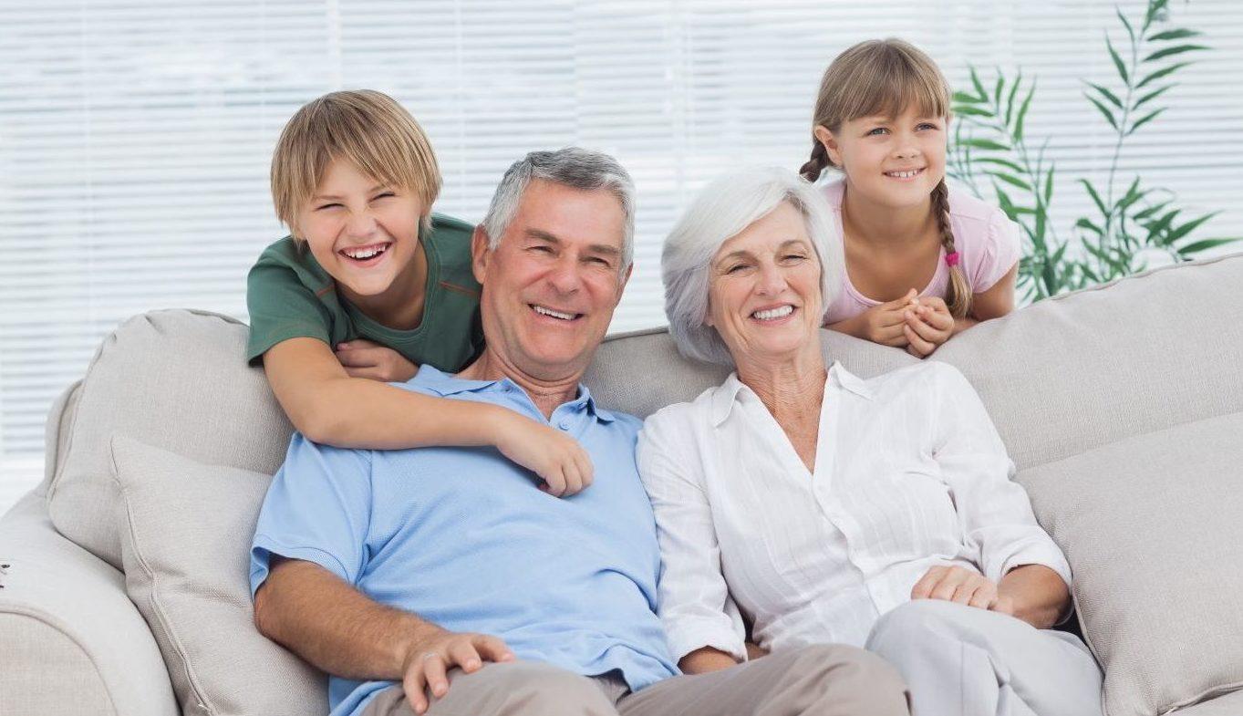 Co podarować na Dzień Babci i Dziadka