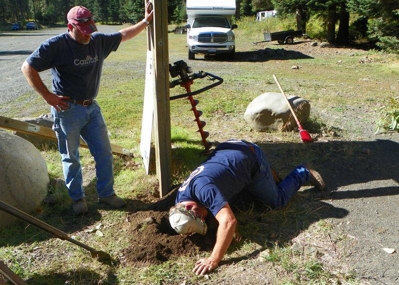 Photos: National Public Lands Day Volunteer Work in Yakima County 13