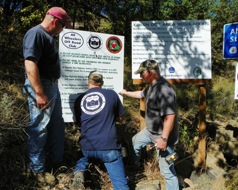 Photos: National Public Lands Day Volunteer Work in Yakima County 24
