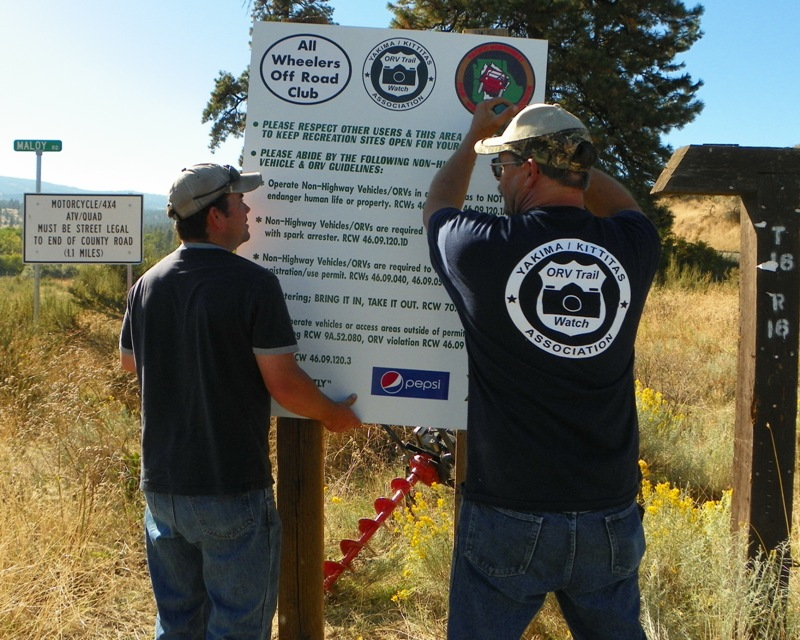 Photos: National Public Lands Day Volunteer Work in Yakima County 36