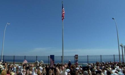 EEUU reabre embajada en La Habana. La bandera estadounidense ya ondea en suelo cubano