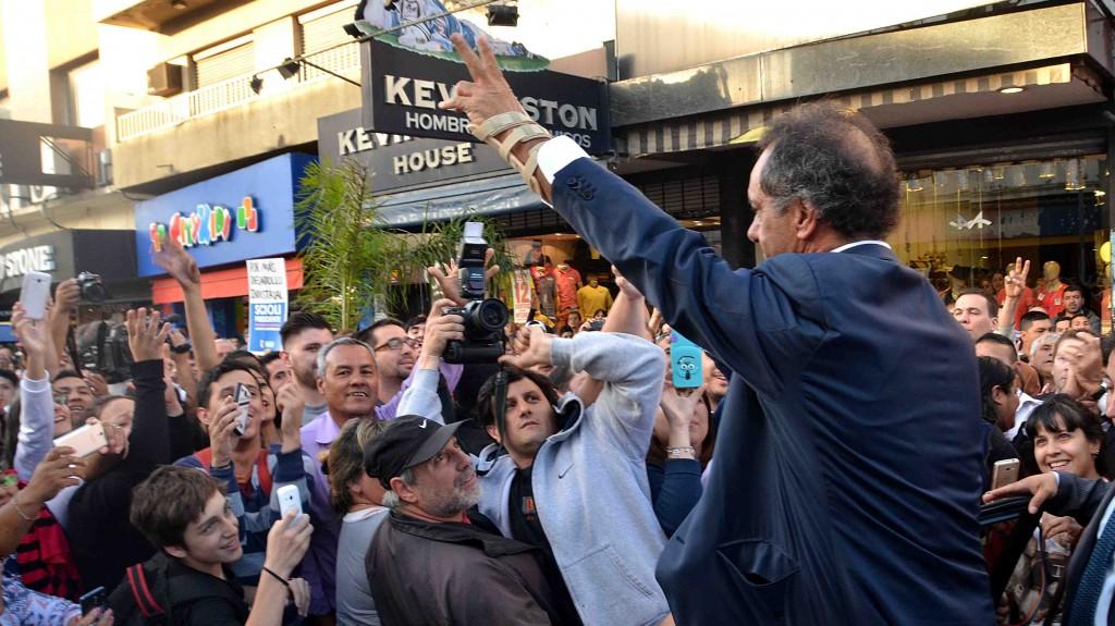 Scioli recargado. La campaña hacia el balotaje en Argentina  (Por Sabrina Flax)