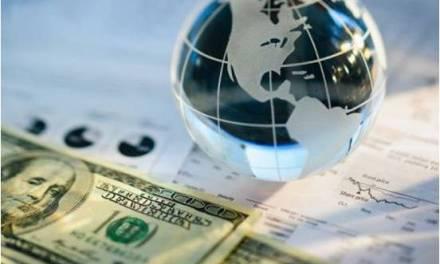 La Democracia y el sistema financiero internacional (Por Sacha Llorenti)