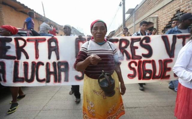 """Honduras: """"Entre los movimientos sociales y los poderes fácticos"""" (por Mariela Pinza)"""