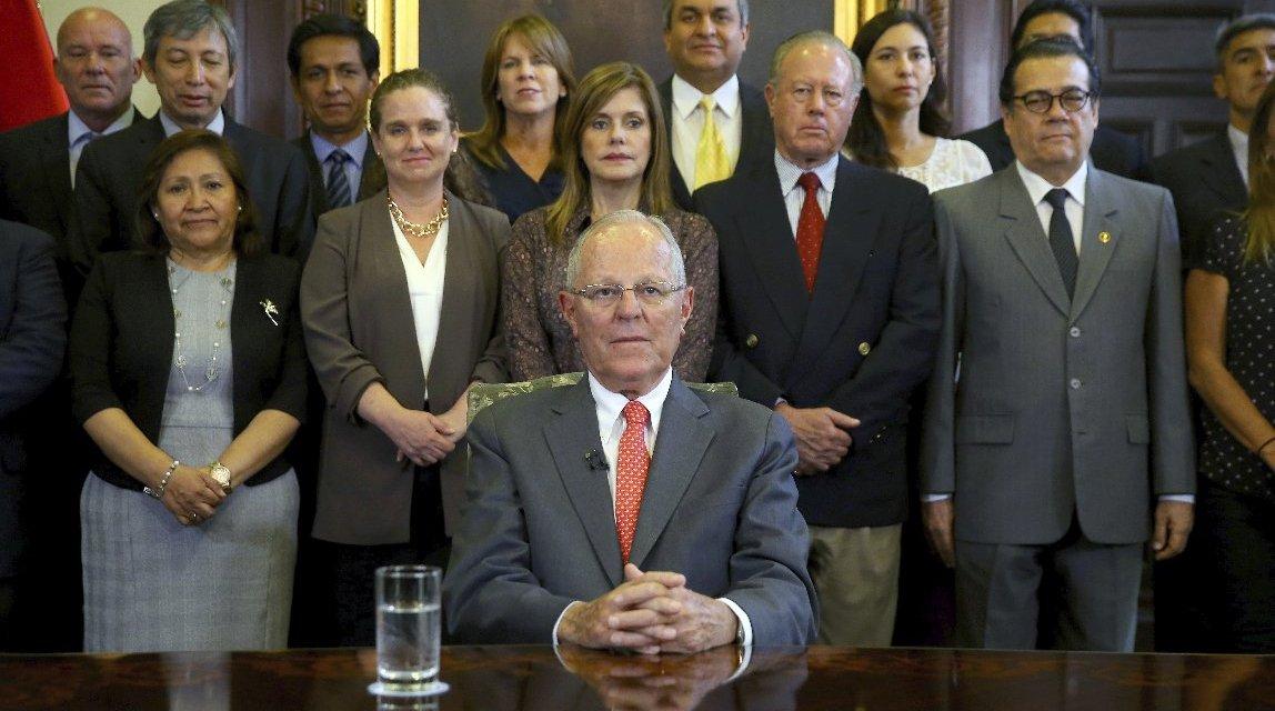 Perú: Kuczynski  en el patíbulo  y sin cicuta
