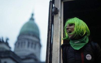 Aborto legal en Argentina: derrota en el Senado y victoria en las calles
