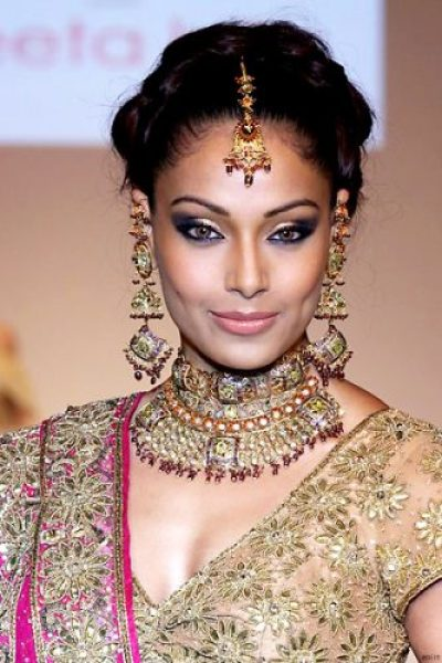 Bipasha Basu Measurements, Height, Weight, Bra Size, Age, Wiki