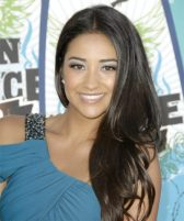 Shay Mitchell Upcoming films,Birthday date,Affairs