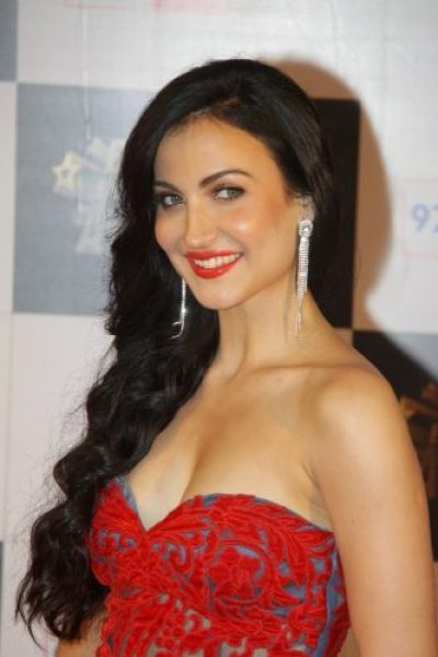 Elli Avram Boyfriend, Age, Biography