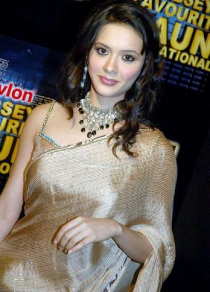 Isha Sharvani height and weight 2014