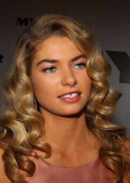 Jessica Hart height and weight 2014