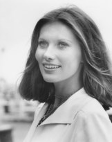 Lois Chiles Measurements, Height, Weight, Bra Size, Age, Wiki