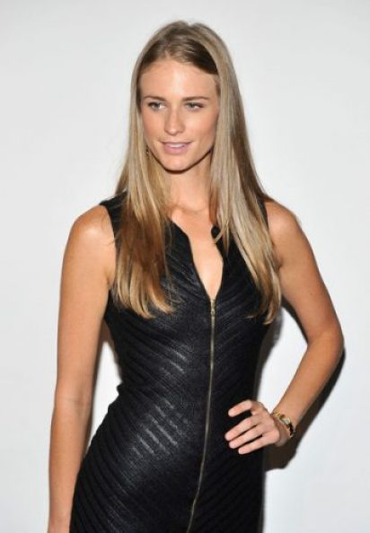 Julie Henderson height and weight 2014