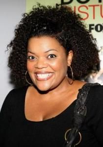 Yvette Nicole Brown Measurements, Height, Weight, Bra Size, Age, Wiki