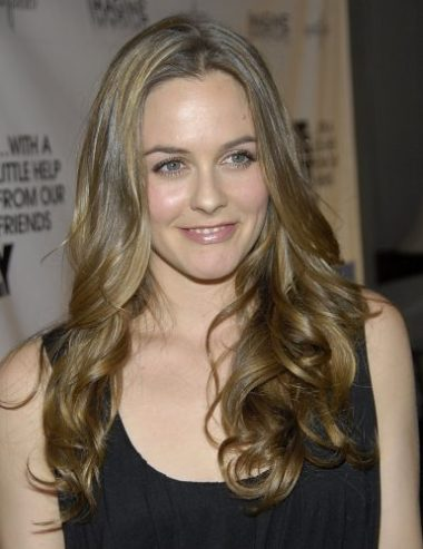 Alicia Silverstone Measurements, Height, Weight, Bra Size, Age, Wiki