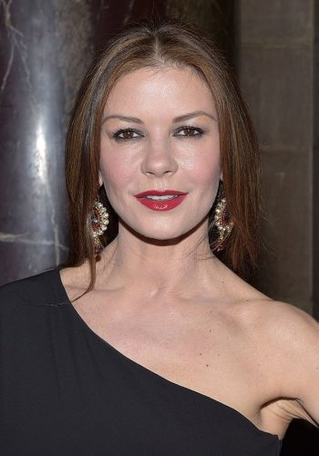 Catherine Zeta-Jones Bra Size, Wiki, Hot Images