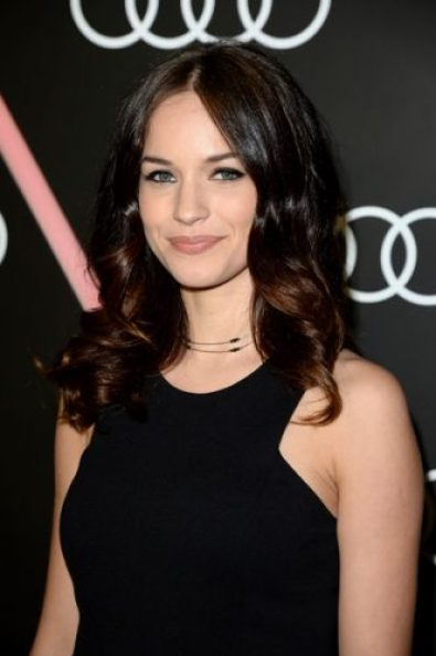 Alexis Knapp Measurements, Height, Weight, Bra Size, Age, Wiki