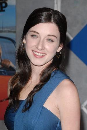 Margo Harshman Measurements, Height, Weight, Bra Size, Age, Wiki