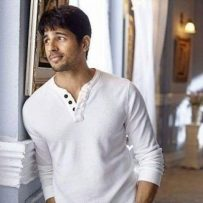 Sidharth Malhotra Height, Weight, Age, Biceps Size, Body Stats