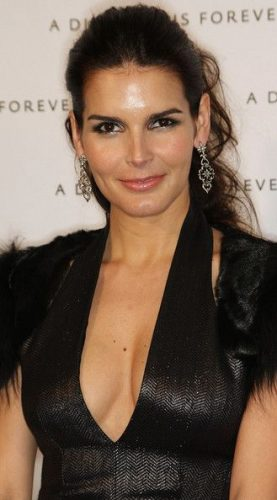Angie Harmon height and weight