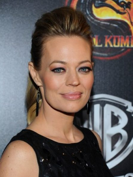 Jeri Ryan height and weight