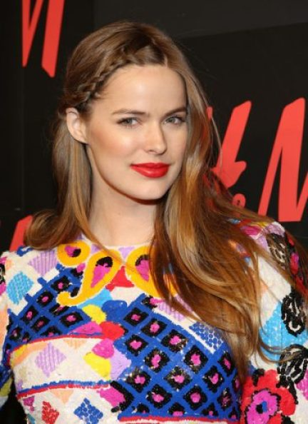 Robyn Lawley height and weight