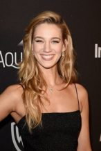 yael-grobglas-measurements-height-weight-bra-size-age-wiki