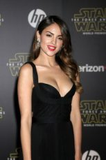 Eiza Gonzalez Measurements, Height, Weight, Bra Size, Age, Wiki