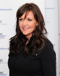 Amanda Tapping height and weight 2017