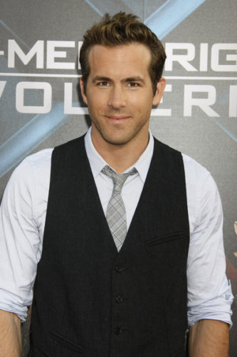 Ryan Reynolds height and weight 2017