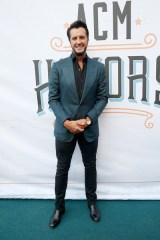Luke Bryan girlfriend age biography