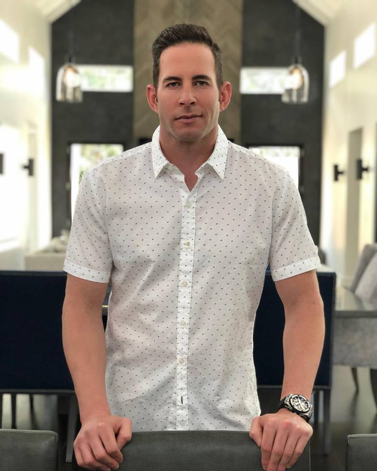 Tarek El Moussa Chest Biceps size