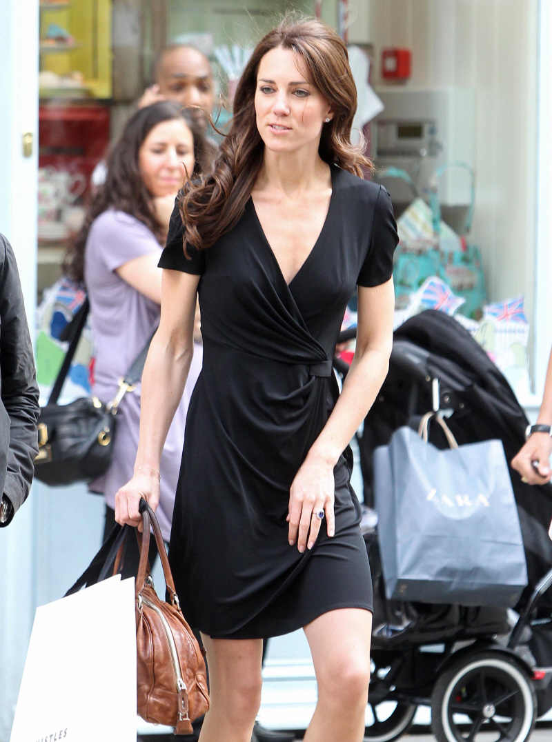 https://i1.wp.com/www.celebitchy.com/wp-content/uploads/2011/04/fp_7189449_barm_middletonkate_shopping_04_111.jpg