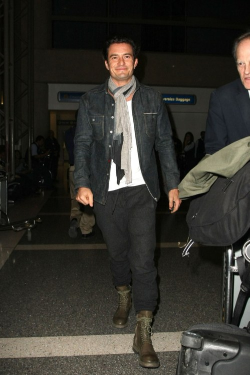 Orlando Bloom seen arriving at LAX