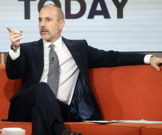 """NBC licenzia Matt Lauer dopo una denuncia per """"comportamento sessuale inappropriato"""" ** FOTO FILE **"""