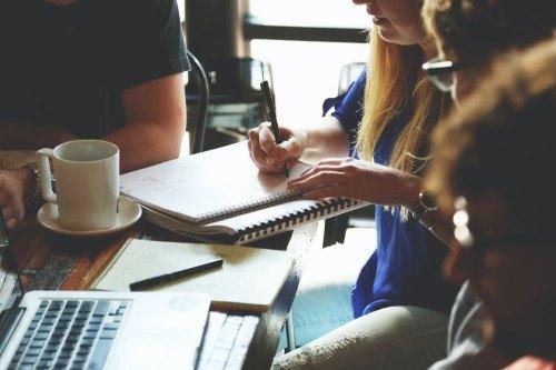 persone-caffè-meeting-team-7096