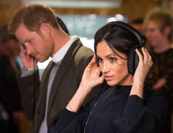 Royal visita a Reprezent FM