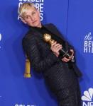 La comica Ellen DeGeneres indossa Celine posa nella sala stampa al 77th Annual Golden Globe Awards tenutosi presso il Beverly Hilton Hotel il 5 gennaio 2020 a Beverly Hills, Los Angeles, California, Stati Uniti.