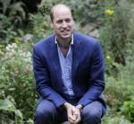 Il principe William britannico parla con gli utenti del servizio durante una visita alla Garden House, parte del Light Project a Peterborough, Inghilterra, giovedì 16 luglio 2020. The Garden House offre informazioni, consigli e supporto ai dormienti di Peterborough