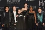 """Maddox Jolie Pitt, Shiloh Jolie Pitt, Vivienne Jolie Pitt, Angelina Jolie, Zahara Jolie Pitt, Knox Jolie Pitt partecipano alla prima mondiale di """"Maleficent: Mistress Of Evil"""" della Disney - Tappeto rosso all'El Capitan Theatre il 30 settembre 2019 a Los Angeles, Cal"""