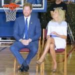 Il principe Harry e Michelle Obama visitano Fort Belvoir