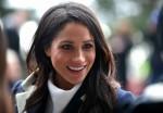 Meghan Markle incontra i bambini delle scuole locali durante una passeggiata con il principe Harry britannico durante una visita a Birmingham