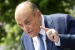Giuliani parla ai media