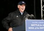 L'ex vicepresidente Joe Biden ha un rally Drive thru al Jewish Society Museum di Philadelphia