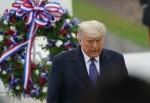 Il presidente degli Stati Uniti Donald J. Trump e la first lady Melania Trump partecipano a un'osservanza della Giornata nazionale dei veterani