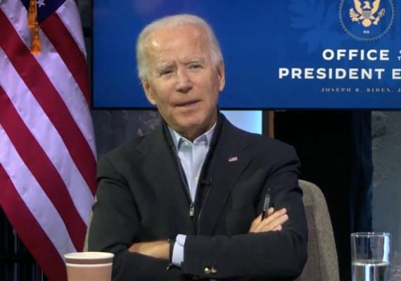 Biden si incontra virtualmente con i lavoratori in prima linea