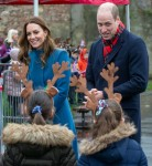 Il Duca e la Duchessa di Cambridge visitano la Prima Scuola della Holy Trinity Church of England