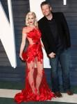 Gwen Stefani e Blake Shelton partecipano al ..........