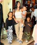 Kim Kardashian e Kanye West sono stati avvistati mentre lasciavano Cipriani's